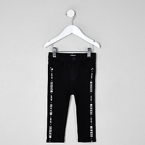Mini boys black Sid tape print jeans