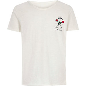 Boys cream rose chest print T-shirt