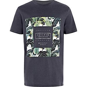 Marineblaues T-Shirt mit Palmenprint