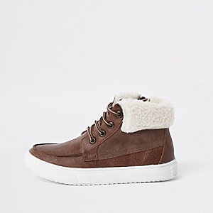 Boys brown borg trim boots