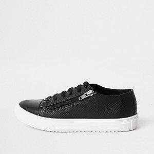 Zwarte vetersneakers met rits opzij voor jongens