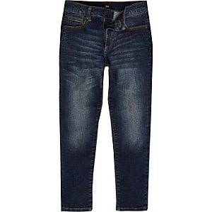 Jimmy – Eng zulaufende Slim Fit Jeans in Mittelblau