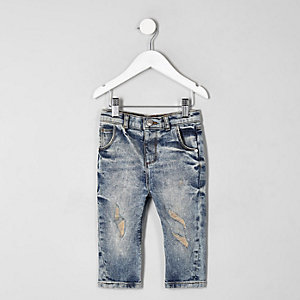 Mini - Tony - Blauwe wash ripped smaltoelopende jeans voor jongens