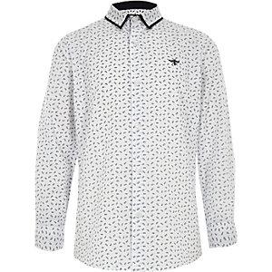 Weißes, langärmliges Hemd mit Feder-Print
