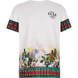 Wit T-shirt met 'luxe' en tropische print voor jongens