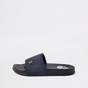 Marineblauwe slippers met camouflageprint voor jongens
