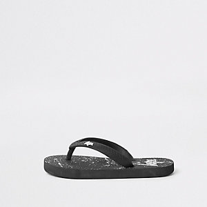 Boys black Hype paint splat flip flops