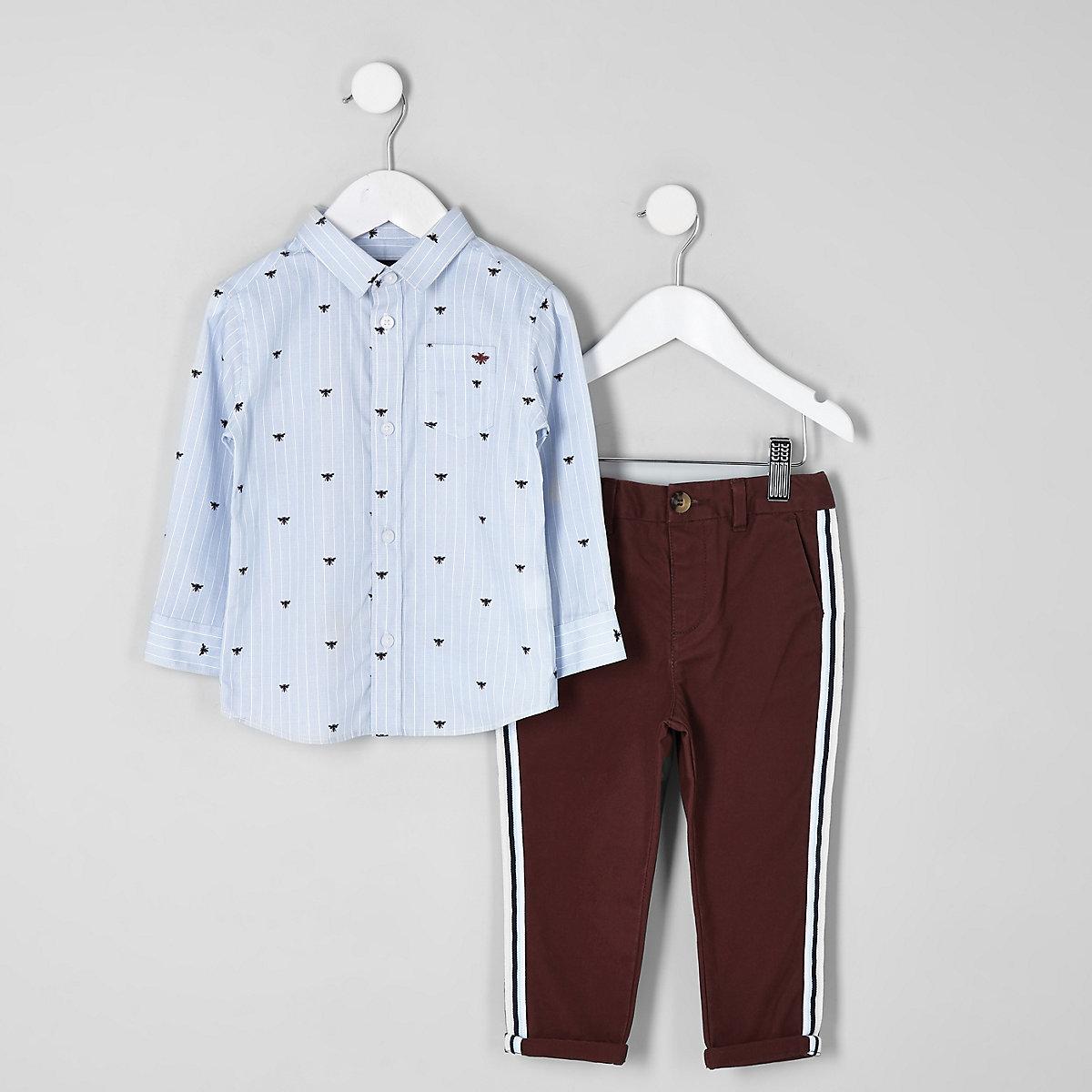 Ensemble chemise bleue et pantalon chino rouge mini garçon
