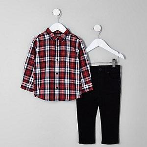 Outfit met rood geruit overhemd en Sid jeans voor jongens