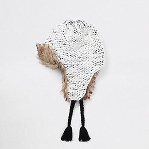 Chapka en maille grise à bordure en fausse fourrure pour garçon
