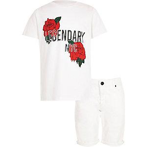 Outfit met wit T-shirt met rozenprint en short voor jongens