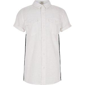 Chemise manches courtes blanche à bande latérale garçon