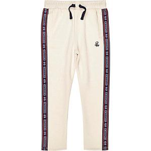 Pantalon de jogging grège à bandes latérales imprimé «R96» pour garçon