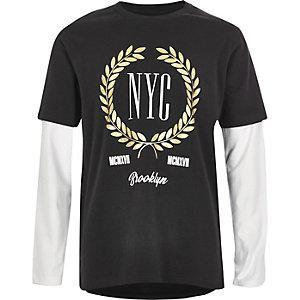 T-shirt «NYC» noir à manches doubles pour garçon