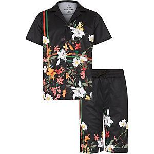 Outfit met zwart mesh T-shirt met bloemenprint voor jongens