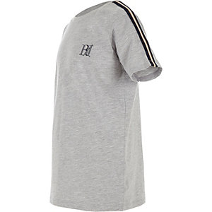 Boys grey tape sleeve T-shirt