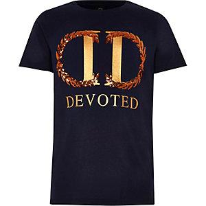 Marineblauw T-shirt met 'Devoted'-print voor jongens