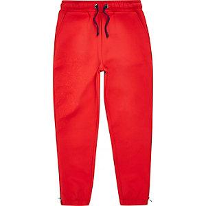 RI Studio - Rode geborduurde scuba joggingbroek voor jongens