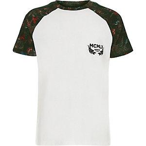 Wit T-shirt met bloemenprint en raglanbies voor jongens