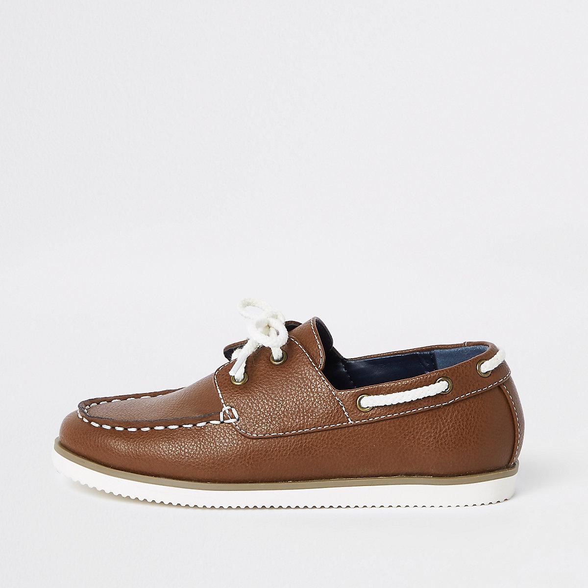 87a16ec034e Chaussures bateau fauves à lacets pour garçon - Chaussures ...