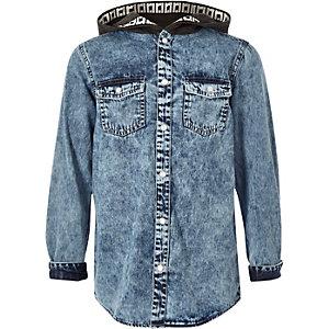Chemise en denim bleu à capuche pour garçon