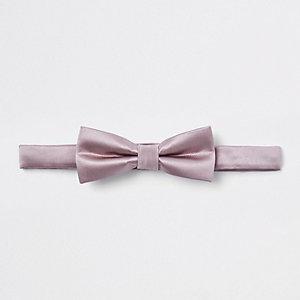 Roze satijnen vlinderdas voor jongens