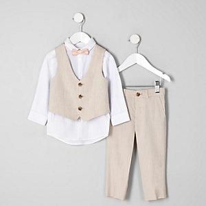 Outfit in Ecru