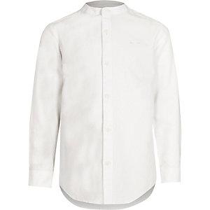 Weißes Grandad-Hemd mit Wespenstickerei