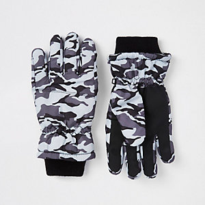 Boys grey camo gloves