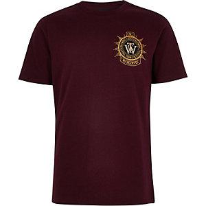 Bordeauxrood geborduurd T-shirt met badge voor jongens