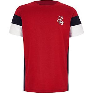 Rood geborduurd T-shirt met kleurvlakken voor jongens