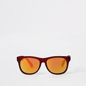 Rode retro zonnebril met gekleurde glazen voor jongens
