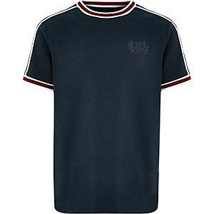 Marineblauw T-shirt met contrasterend randje en RI-borduursel voor jongens