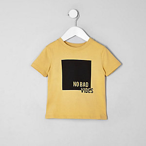 Mini boys yellow 'no bad vibes' T-shirt