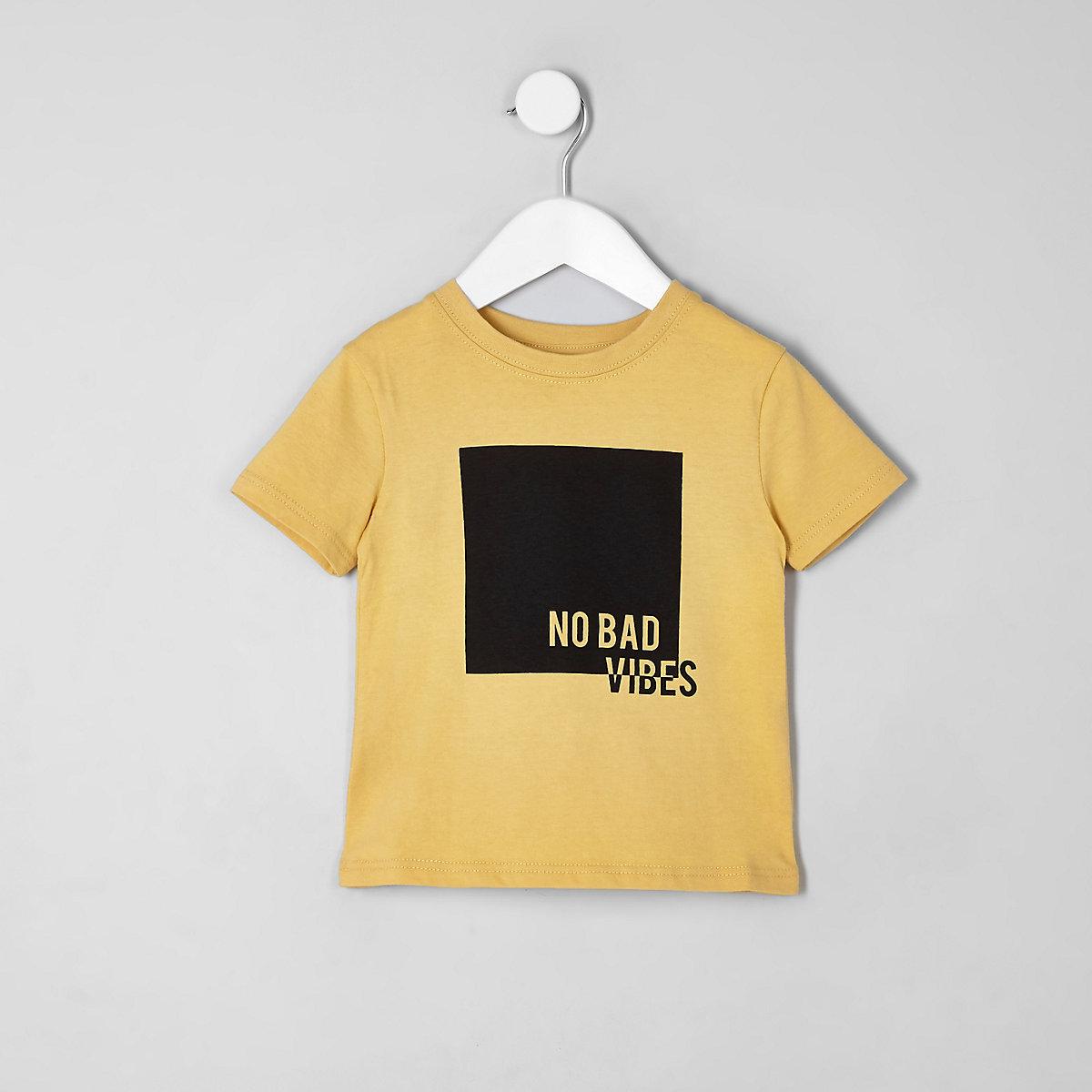 Mini boys yellow 'no bad vibes' T-shirt