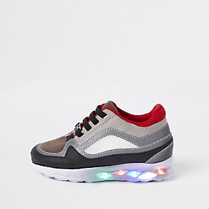 Baskets de course grises lumineuses mini garçon