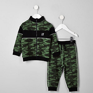 RI Outfit in Khaki mit Jogginghose