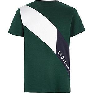 Groen T-shirt met 'Exclusive'-print en kleurvlakken voor jongens