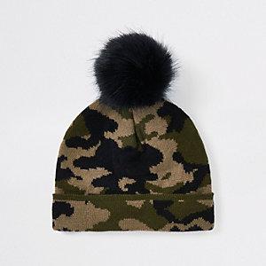 Bonnet camouflage kaki avec pompon en fausse fourrure mini garçon