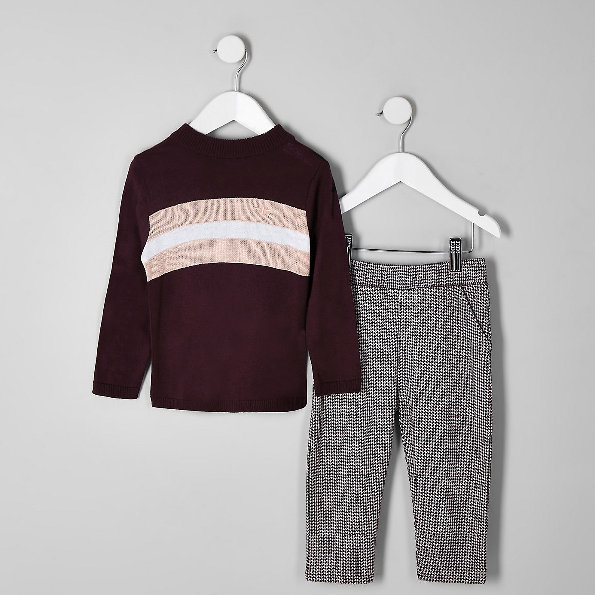 Mini boys red color block outfit