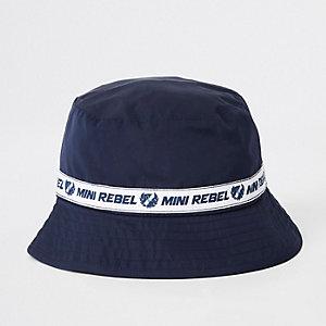 Mini - Marineblauw mini-hoedje met 'rebel'-print voor jongens