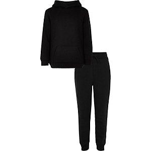 Outfot met zwarte hoodie en joggingbroek voor jongens