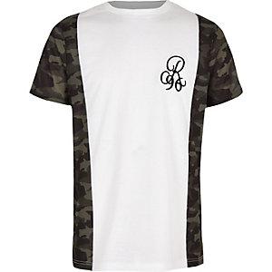 R96 - Kaki T-shirt met camouflageprint langs de zoom voor jongens