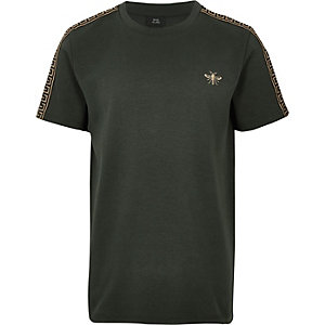 Kaki T-shirt met geborduurde wesp voor jongens