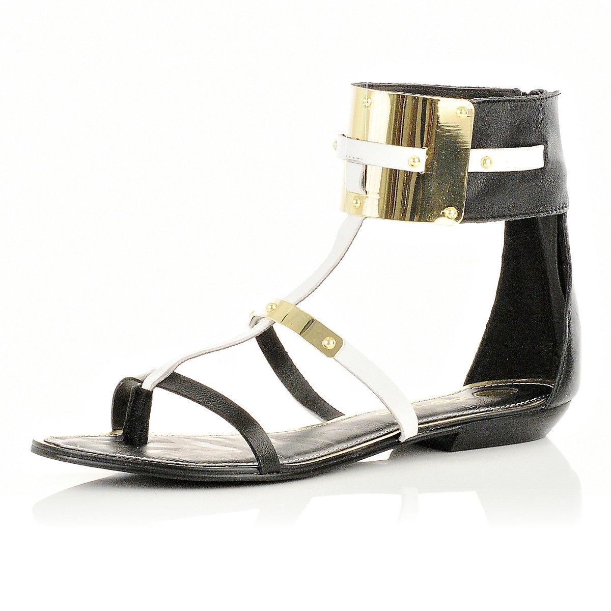 Zwarte sandalen met enkelband