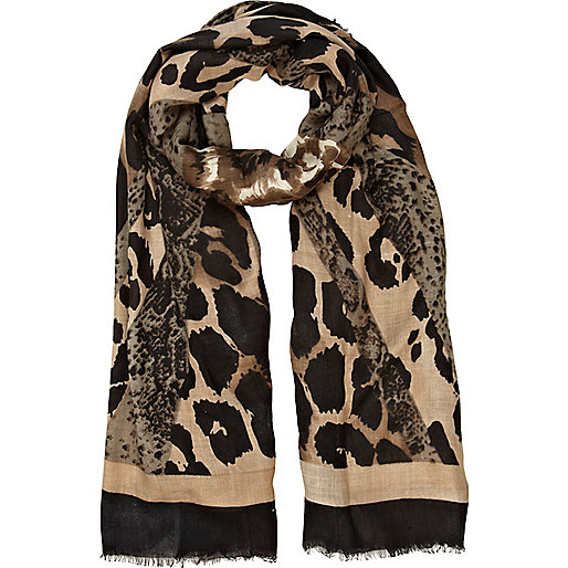 Animal print lightweight scarf