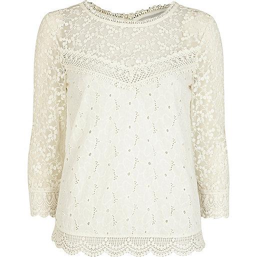 Cream crochet 3/4 sleeve blouse
