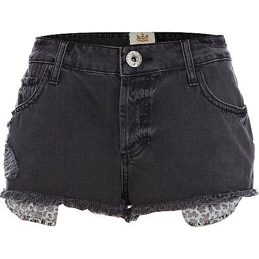 Black leopard pocket denim shorts