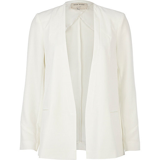 White collarless unfastened smart blazer