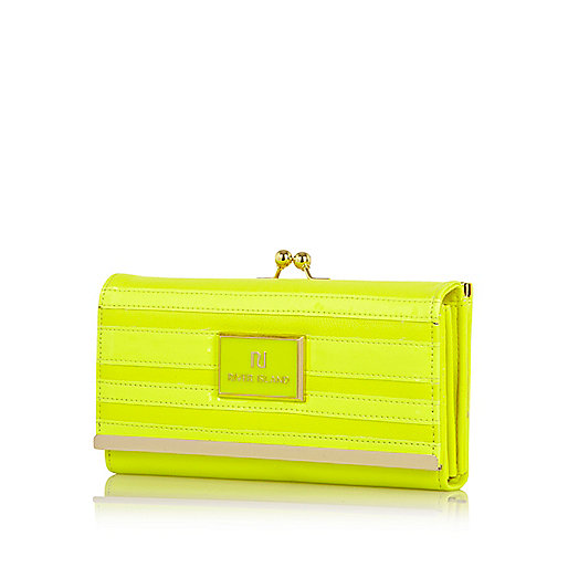 Yellow neon patent stripe clip top purse